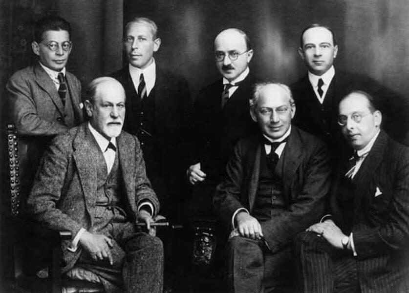 sigmund-freud-y-el-comite-secreto-rank-abraham-eitington-jones-ferenczi-y-sachs-1920-k82tk8
